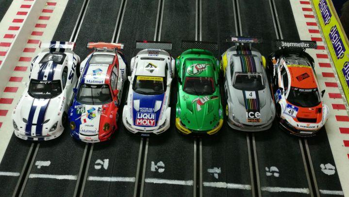 Espai just per els sis cotxes, peró molta diversió